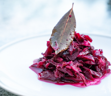DELICIOUS LOW FAT RED CABBAGE. A RECIPE FOR CHRISTMAS