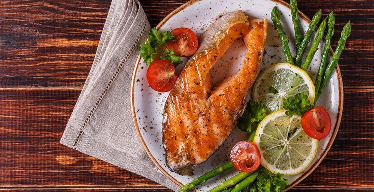 Antioxidant rich salmon and asparagus recipe