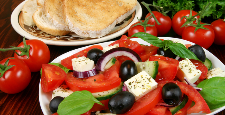 EAT MEDITERRANEAN FOR A HEALTHY HEART