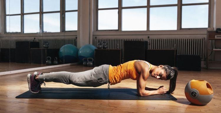 Planks v Crunches: How are they Different?