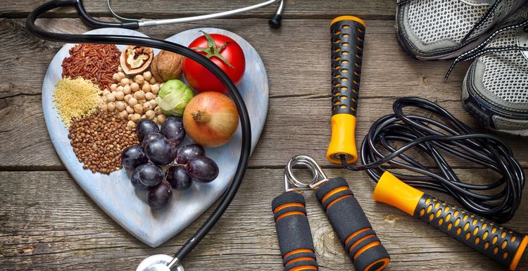 SIMPLE TIPS FOR A HEALTHY APPROACH TO EATING