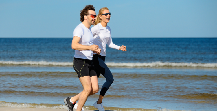 WHY EXERCISING WITH FRIENDS IS BETTER FOR YOU