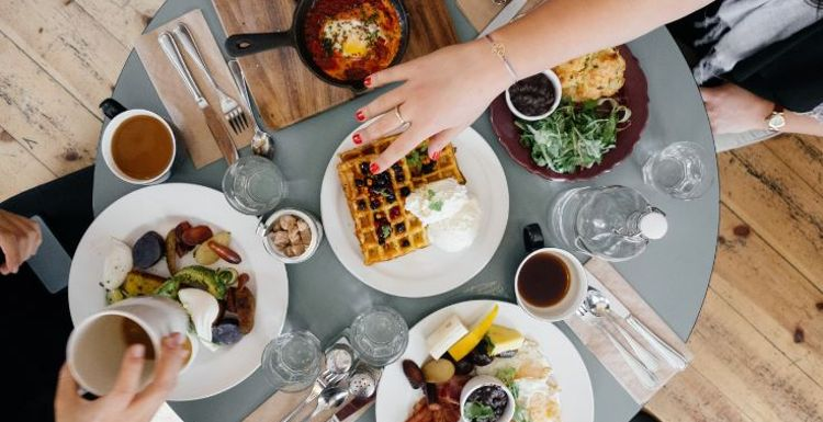 Tips for healthy eating whilst eating out