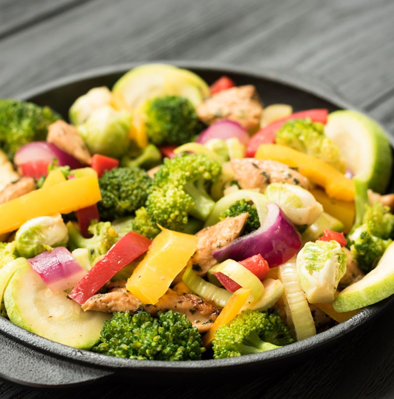 QUICK CHICKEN AND VEG BAKE A CLEAN EATING LOW CALORIE TREAT