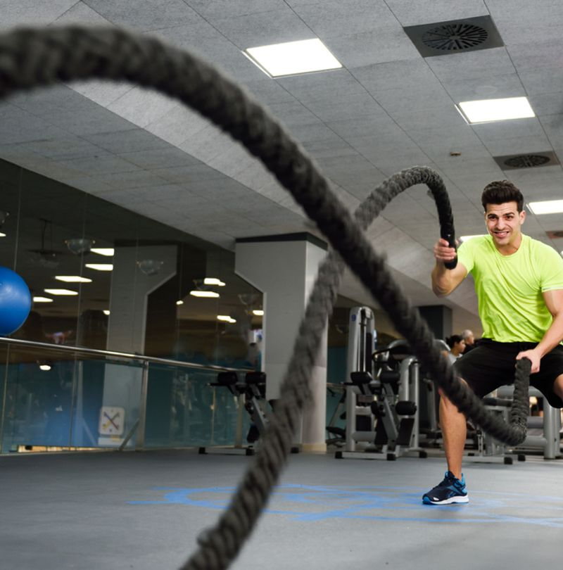 BATTLE ROPES - WAVE YOUR WAY TO FITNESS