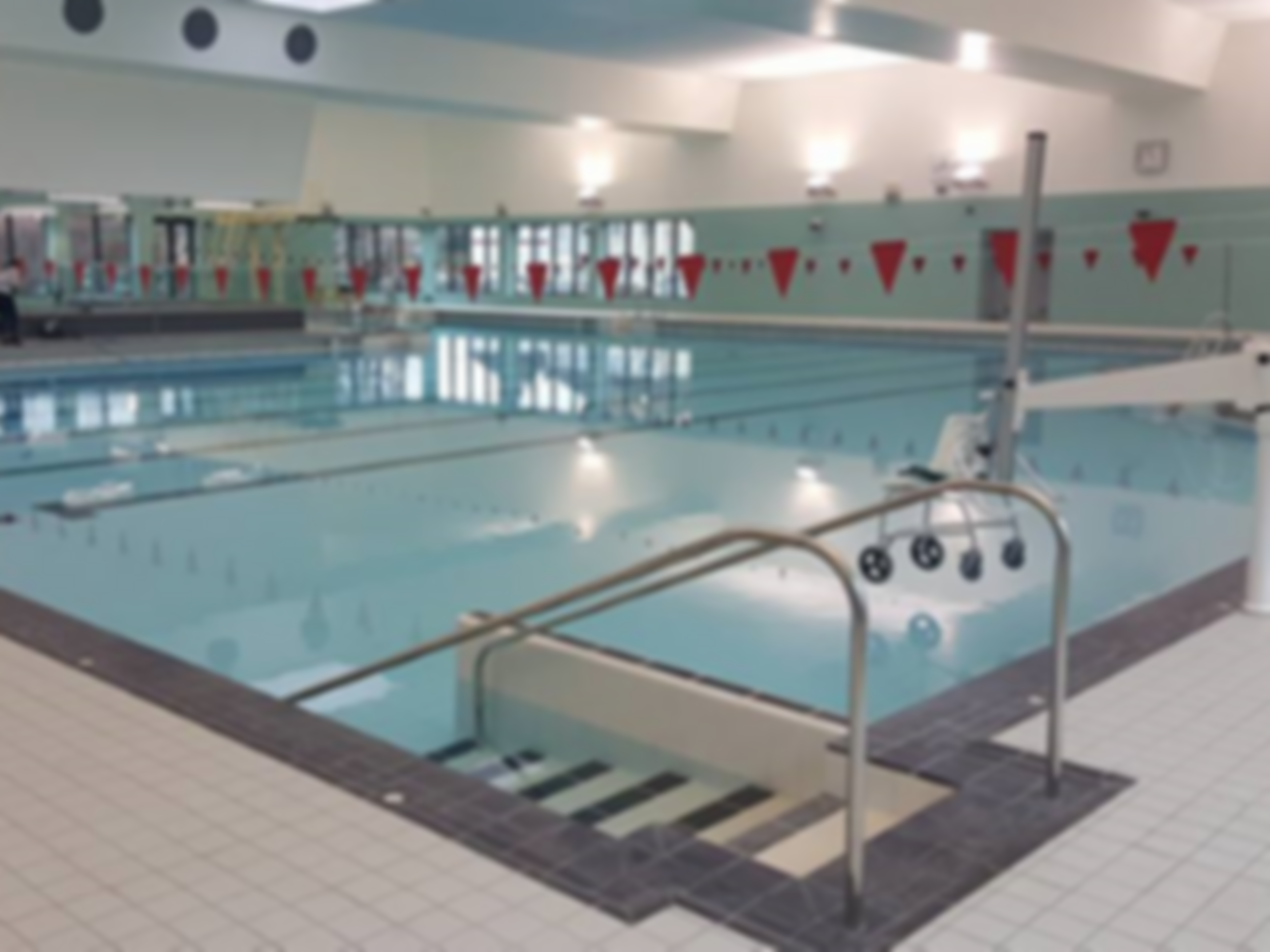 Fairfield leisure centre flexible gym passes da1 dartford for Aston swimming pool opening times