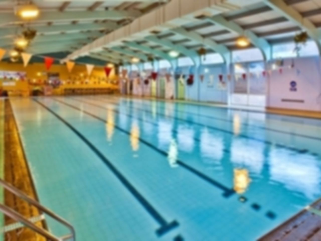 Graves tennis leisure centre flexible gym passes s8 sheffield for Heeley swimming pool opening times