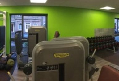 Glossop Leisure Centre Image 2 of 4