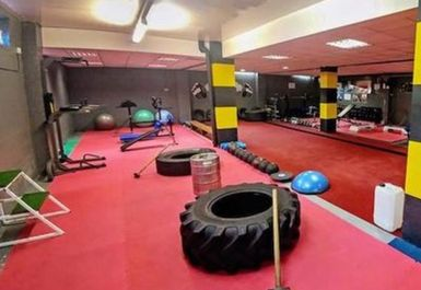 Shinny's Gym Image 4 of 7