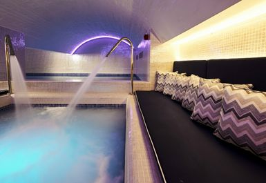 BRISTOL HARBOUR SPA Image 7 of 8