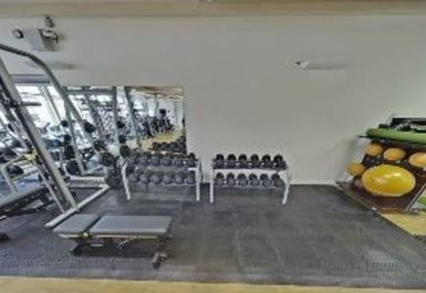 free weights at Victoria Leisure Centre Nottingham