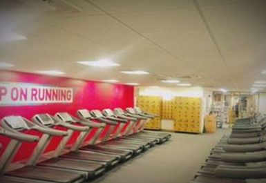 Huddersfield Leisure Centre Image 4 of 6