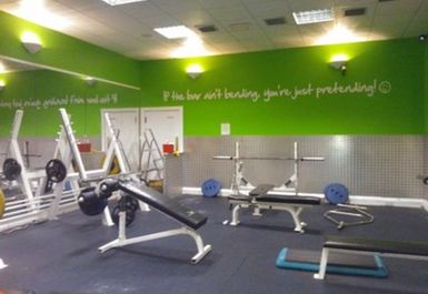 weights at Fit4less by Energie Dundee Town