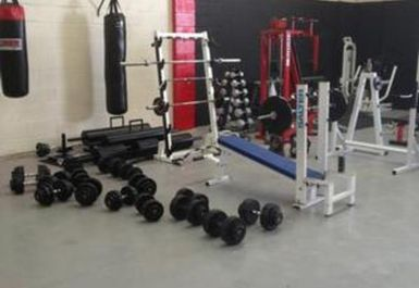 weights at Elite Fitness Academy Manchester