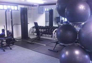 GYM EQUIPMENT AT MORDEN PARK POOLS SURREY