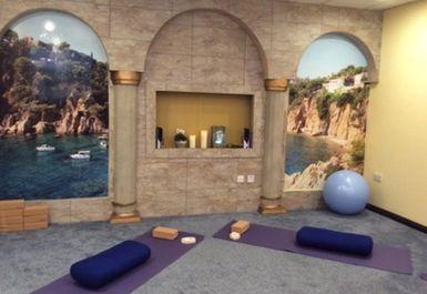 Sanesi Yoga & Co Image 1 of 3