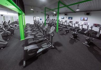 Peak Health & Fitness Gym Image 1 of 8