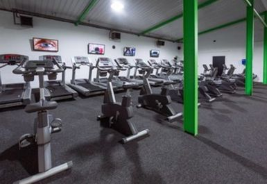 Peak Health & Fitness Gym Image 3 of 8