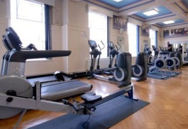 GYM EQUIPMENT AT SMETHWICK SWIMMING CENTRE BIRMINGHAM