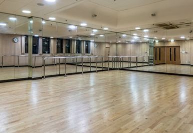 Hammersmith Fitness and Squash Centre Image 4 of 7
