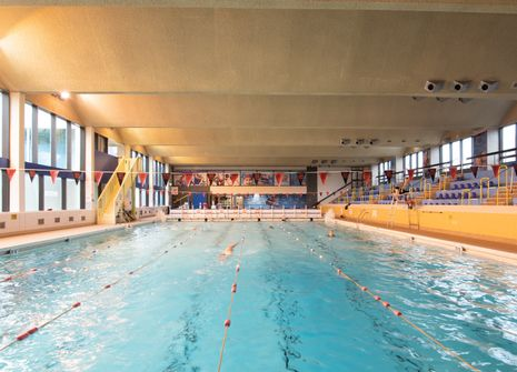 Bramcote Leisure Centre picture