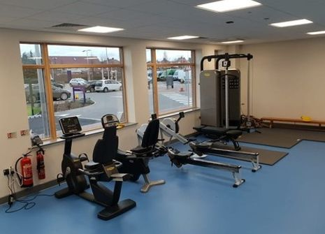 Oaklands School Gym picture