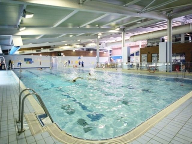 Urmston leisure centre manchester m41 5rr passes memberships for Gyms in manchester city centre with swimming pools