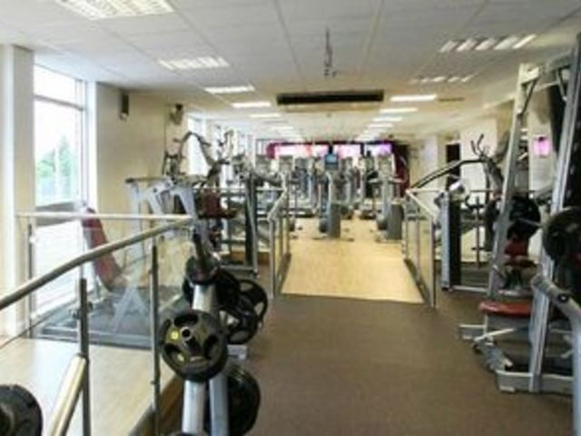 Everyone Active Vale Farm Sports Centre Image 3 of 6