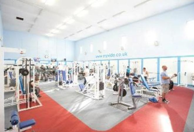 MAIN GYM AREA AT VIDA HEALTH AND FITNESS OXFORD